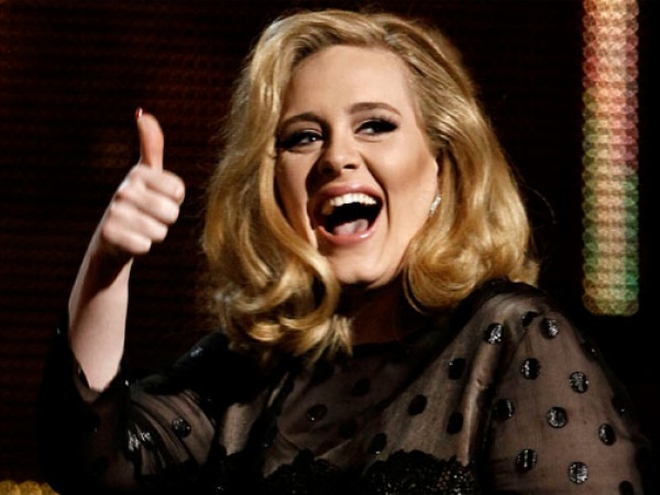adele-thumbs-up