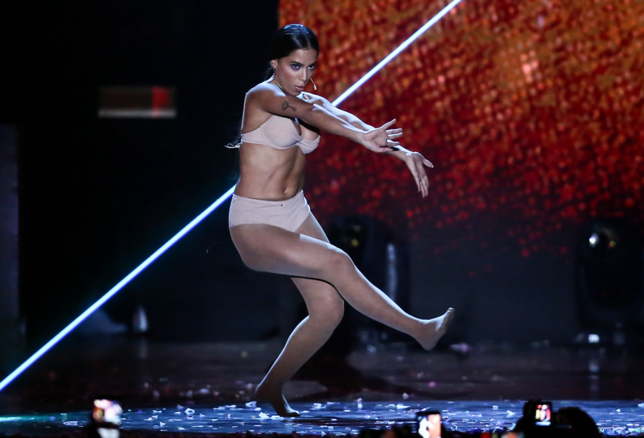 Anitta canta - Premio MultiShow na Arena da Barra, em Jacarepagua, zona oeste, Rio de Janeiro, RJ. (24/10/17) Foto: Roberto Filho / Brazil News.
