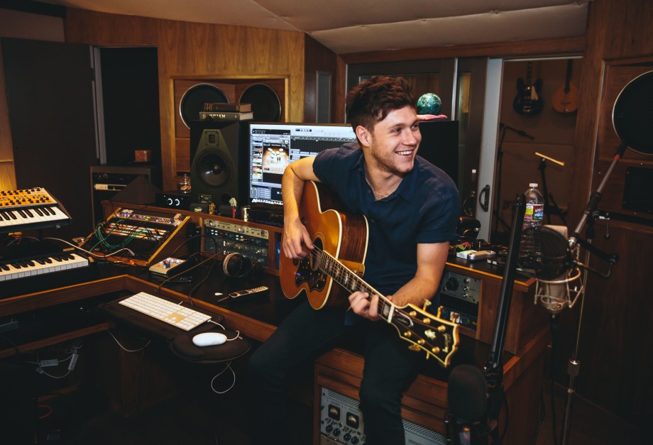 niall-horan-in-studio-debut-album-f48f3eb8-1d57-4bb0-8bab-205ca8004a94